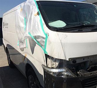 日産 キャラバン 冷凍車 修理前